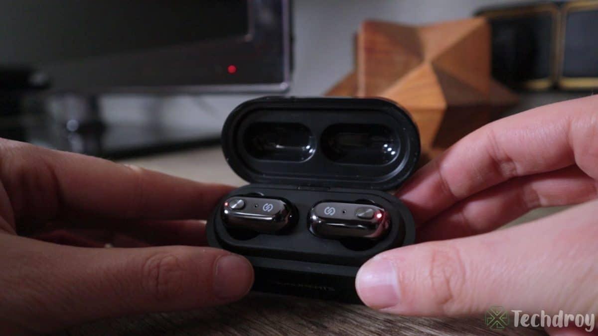 Diseño de los auriculares SoundPeats Truengine en la caja