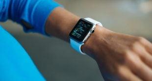 Apple Watch en la mano puesta