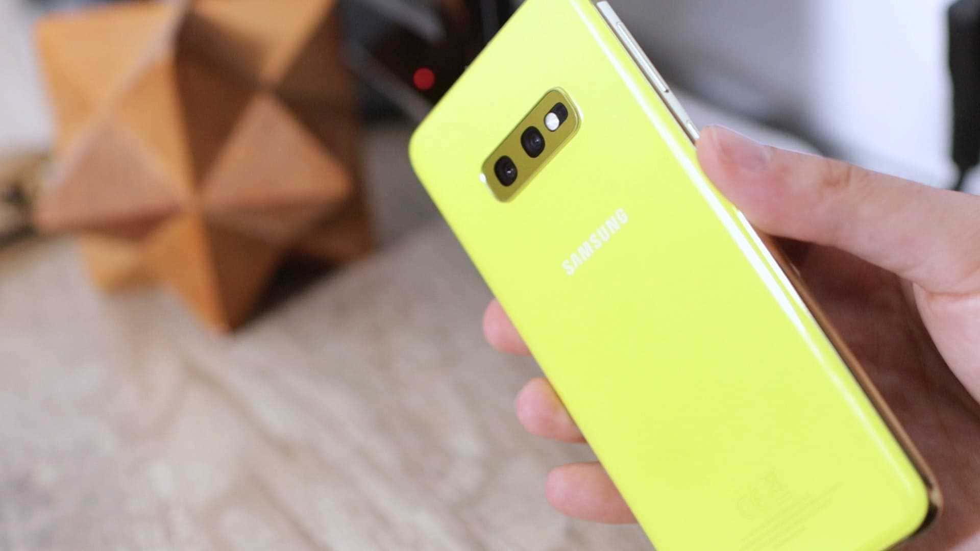 Samsung-Galaxy-S10e-canary_optimized