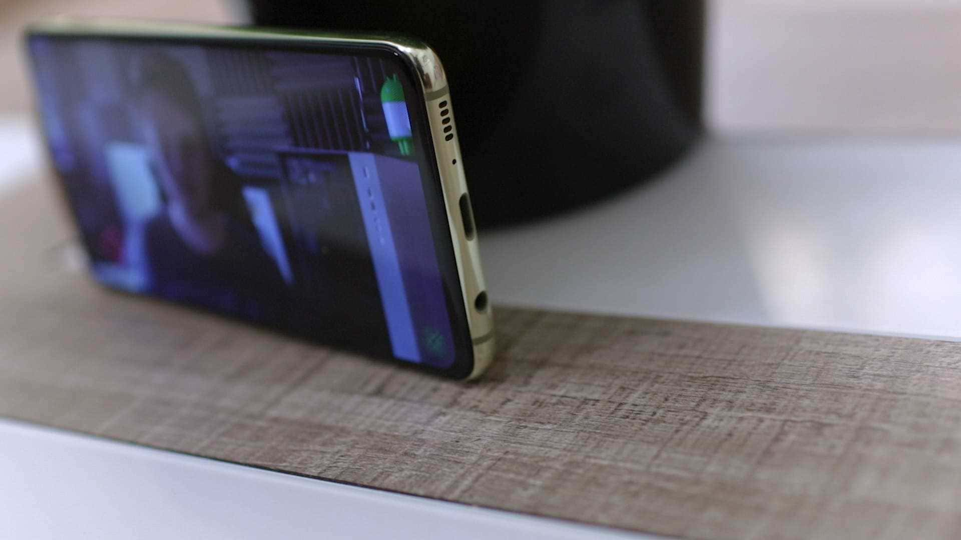 altavoz-inferior-Samsung-Galaxy-S10e