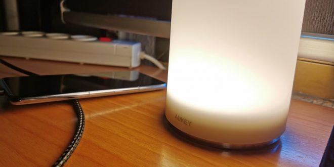Análisis de la lámpara de noche táctil de Aukey, ilumina con un toque moderno tu habitación