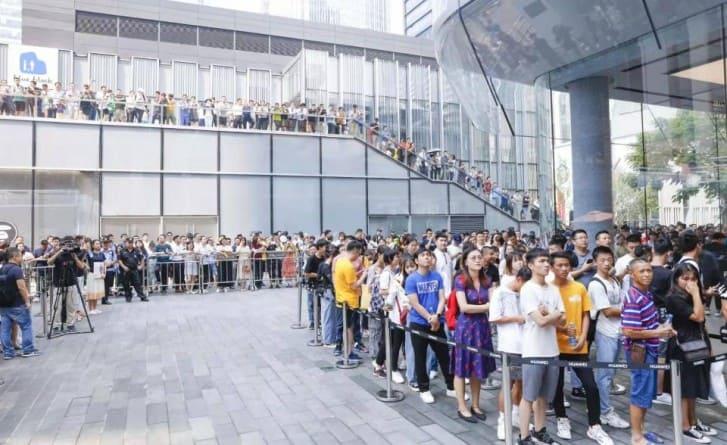 cola-comprar-Huawei-Mate-30-un-millon-de-unidades